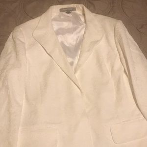 Ellen Tracy off white suit